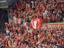 Ανεμιστήρες λεσχών ποδοσφαίρου του Λίβερπουλ Στοκ φωτογραφία με δικαίωμα ελεύθερης χρήσης