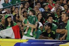 Ανεμιστήρες ποδοσφαίρου του Μεξικού Στοκ Εικόνες
