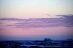Ανεμοδαρμένος ωκεανός στη δυτική Αυστραλία Ινδικού Ωκεανού ηλιοβασιλέματος στοκ εικόνες