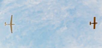Ανεμοπλάνο στη ρυμούλκηση στοκ εικόνες με δικαίωμα ελεύθερης χρήσης