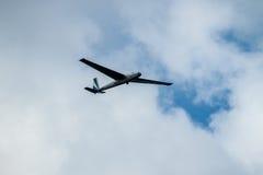 Ανεμοπλάνο στον ουρανό Στοκ εικόνα με δικαίωμα ελεύθερης χρήσης