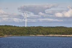 Ανεμοστρόβιλοι στη θάλασσα της Βαλτικής ενέργεια ανανεώσιμη Φινλανδία Στοκ φωτογραφίες με δικαίωμα ελεύθερης χρήσης