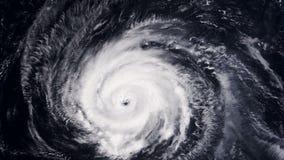 Ανεμοστρόβιλος θύελλας τυφώνα πέρα από τη γη από τη διαστημική, δορυφορική άποψη φιλμ μικρού μήκους