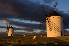 ανεμόμυλοι της Ισπανίας Στοκ Φωτογραφίες