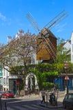 Ανεμόμυλος της περιοχής Montmartre στο Παρίσι. Στοκ φωτογραφίες με δικαίωμα ελεύθερης χρήσης