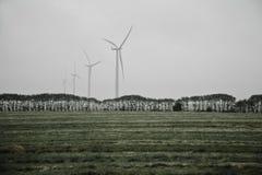 Ανεμόμυλοι για την ηλεκτρική παραγωγή Στοκ εικόνα με δικαίωμα ελεύθερης χρήσης
