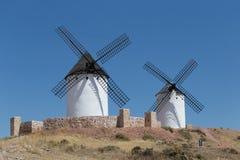 Ανεμόμυλοι κοντά σε Alcazar de San Juan στοκ εικόνες με δικαίωμα ελεύθερης χρήσης