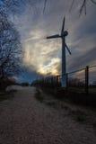 Ανεμόμυλος στο ηλιοβασίλεμα Στοκ φωτογραφία με δικαίωμα ελεύθερης χρήσης