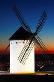 Ανεμόμυλος Campo de Criptana στο ηλιοβασίλεμα Στοκ εικόνες με δικαίωμα ελεύθερης χρήσης
