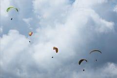 Ανεμόπτερο στο βουνό Sarangkot σε Pokhara στοκ φωτογραφίες με δικαίωμα ελεύθερης χρήσης