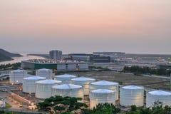 Ανεφοδιασμός σε καύσιμα σύνθετος στον αερολιμένα 2010 του HK στοκ εικόνες