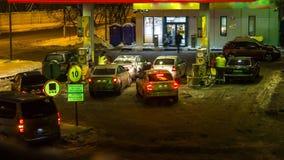 Ανεφοδιάζοντας σε καύσιμα σταθμός βενζίνης, απόθεμα βίντεο
