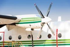 Ανεφοδιασμός σε καύσιμα των αεροσκαφών Στοκ εικόνες με δικαίωμα ελεύθερης χρήσης