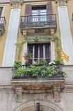 Ανθίζοντας μπαλκόνι σε Placa Reial, Βαρκελώνη Στοκ Εικόνα