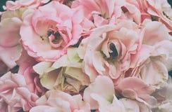 Ανθοδέσμη της λεπτής ρόδινης κινηματογράφησης σε πρώτο πλάνο τριαντάφυλλων στοκ εικόνες