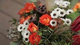 Ανθοδέσμη των λουλουδιών απόθεμα βίντεο