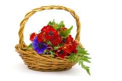 Ανθοδέσμη Anemones και τριαντάφυλλα Στοκ Εικόνες