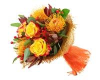 Ανθοδέσμη από τα τριαντάφυλλα και το αραβικό λουλούδι αστεριών (arabicu Ornithogalum Στοκ φωτογραφίες με δικαίωμα ελεύθερης χρήσης