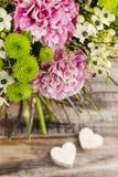 Ανθοδέσμη του ρόδινου γαρίφαλου, αραβικό λουλούδι αστεριών (ara ornithogalum Στοκ φωτογραφία με δικαίωμα ελεύθερης χρήσης