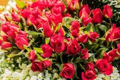 Ανθοδέσμη των ρυθμίσεων λουλουδιών για τη διακόσμηση στοκ φωτογραφία