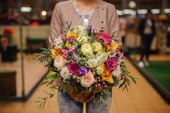 Ανθοδέσμη των όμορφων διαφορετικών μικτών θερινών λουλουδιών Στοκ Εικόνες