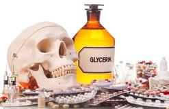 Ανθρώπινα φάρμακα και φάρμακα scull Στοκ Φωτογραφίες
