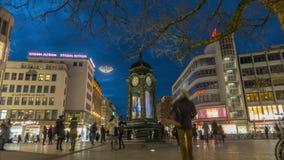 Αννόβερο, Γερμανία - 10 Ιανουαρίου 2018: Το ιστορικό ρολόι Kroepcke είναι ένας δημοφιλής χώρος συνάντησης που βρίσκεται στον κεντ φιλμ μικρού μήκους