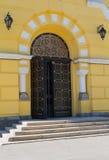 Ανοίξτε την πόρτα στην παλαιά εκκλησία Στοκ Φωτογραφία