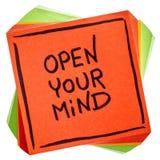 Ανοίξτε τη σημείωσή σας συμβουλών ή υπενθυμίσεων μυαλού Στοκ Φωτογραφίες