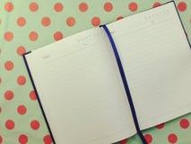 Ανοιγμένο κενό σημειωματάριο σελίδων εγγράφου κατασκευασμένο Στοκ Φωτογραφίες