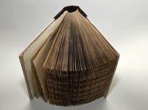 Ανοιγμένο παλαιός-κοίταγμα χειροποίητο βιβλίο, τοπ άποψη Στοκ φωτογραφία με δικαίωμα ελεύθερης χρήσης