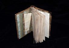 Ανοιγμένο σημειωματάριο steampunk-ύφους Στοκ εικόνες με δικαίωμα ελεύθερης χρήσης