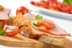 Ανοικτά αντιμέτωπα σάντουιτς Στοκ εικόνες με δικαίωμα ελεύθερης χρήσης