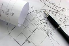 Ανοικτά σχέδια με ένα μολύβι Εφαρμοσμένη μηχανική και σχέδιο Στοκ Φωτογραφία