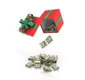 Ανοικτές κόκκινες κιβώτιο δώρων και δέσμες των δολαρίων που έχυσαν έξω Στοκ Εικόνα
