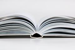 ανοικτές σελίδες βιβλίων παχιές Στοκ φωτογραφία με δικαίωμα ελεύθερης χρήσης