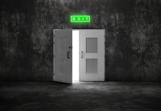 Ανοικτή άσπρη έξοδος πορτών στο γκρίζο υπόβαθρο Στοκ φωτογραφία με δικαίωμα ελεύθερης χρήσης