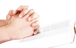 ανοικτή επίκληση χεριών Βίβλων Στοκ Φωτογραφία