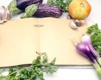 Ανοικτή κουζίνα βιβλίων συνταγής Στοκ φωτογραφίες με δικαίωμα ελεύθερης χρήσης