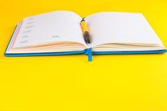 ανοικτή πέννα ημερολογίων Στοκ φωτογραφία με δικαίωμα ελεύθερης χρήσης