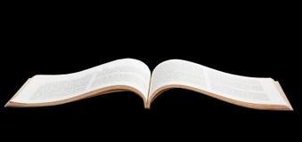 Ανοικτή παλαιά σελίδα βιβλίων που απομονώνεται στο μαύρο υπόβαθρο Στοκ εικόνες με δικαίωμα ελεύθερης χρήσης
