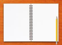 ανοικτή σελίδα σημειωμα& Στοκ εικόνες με δικαίωμα ελεύθερης χρήσης
