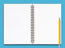 ανοικτή σελίδα σημειωμα& Στοκ εικόνα με δικαίωμα ελεύθερης χρήσης