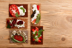 Ανοικτός-αντιμέτωπα παξιμάδι σάντουιτς Στοκ εικόνα με δικαίωμα ελεύθερης χρήσης