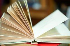 ανοικτός πίνακας βιβλίων πίσω σχολείο διάστημα αντιγράφων Στοκ Εικόνες