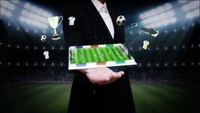 Ανοικτός φοίνικας επιχειρηματιών, γύρω από το εικονίδιο ποδοσφαίρου, περιστρεφόμενος αγωνιστικός χώρος ποδοσφαίρου, ζωτικότητα (σ διανυσματική απεικόνιση