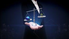Ανοικτός φοίνικας επιχειρηματιών, ισορροπημένη γη και χρυσό νόμισμα, χρήματα, γήινη ρύπανση απεικόνιση αποθεμάτων