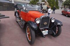 Ανοικτό αυτοκίνητο τεχνάσματος oldtimer Στοκ εικόνα με δικαίωμα ελεύθερης χρήσης
