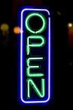 ανοικτό κατάστημα σημαδιών στοκ εικόνα με δικαίωμα ελεύθερης χρήσης