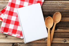 Ανοικτό κενό βιβλίο συνταγής Στοκ φωτογραφία με δικαίωμα ελεύθερης χρήσης